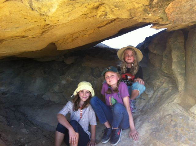 Tangette, Clare and Bridget hiking The Narrows in SB