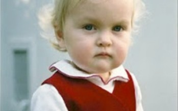Sibling Rivalry: What do you mean there's a new baby coming? (Gestation: 21 weeks)