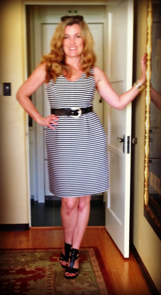 This is another Boden dress with pockets. Admittedly the pockets create a wider hip. Yet I can store my shiv and my maxi pads in them without detection.