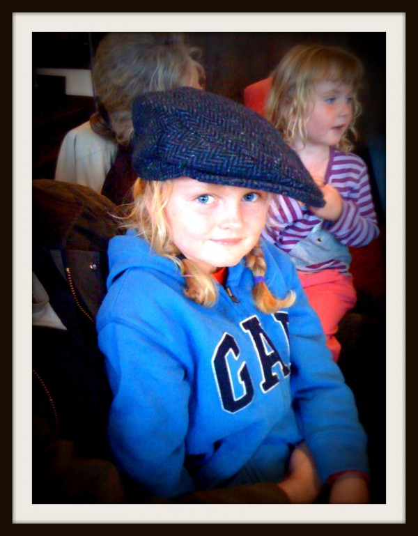 Clare hat