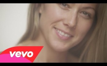 "Colbie Caillat's New Video ""Try"" Made Me Cry aka Take That Photoshop"