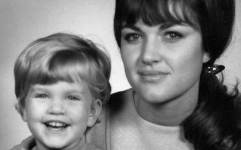 Have You Told Your Mom She's Beautiful? This VIDEO Might Inspire You!